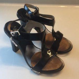 Michael KORS t-strap sandals SZ 5.5